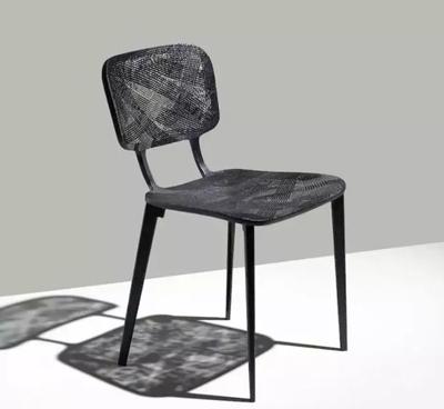 回收碳纤维制成座椅,艺术与科技的完美融合